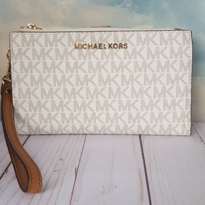 Michael Kors Wristlet Phone Wallet Adele